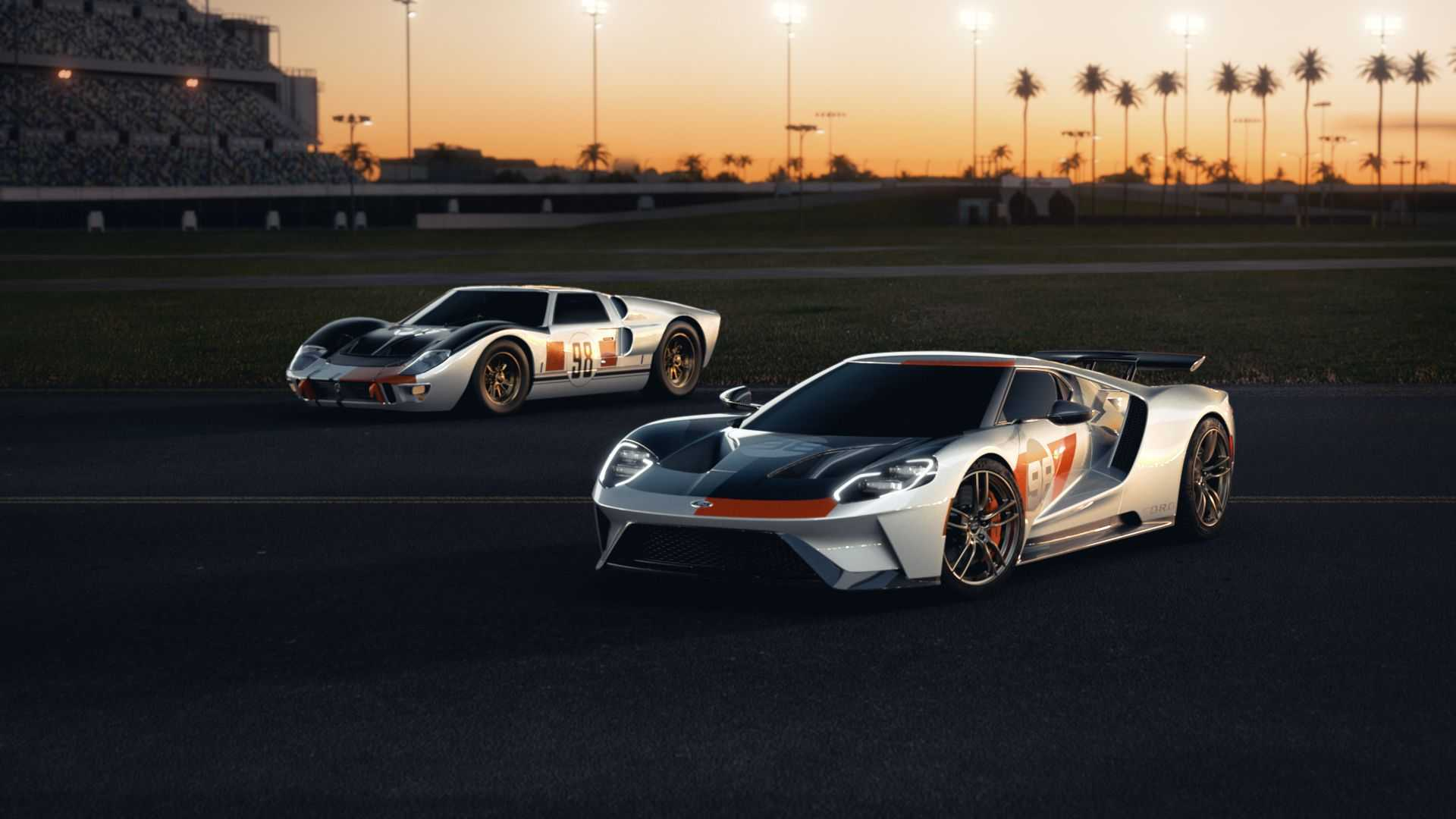 2021-ford-gt-heritage-edition-with-original-gt40-rear-close-up.jpg