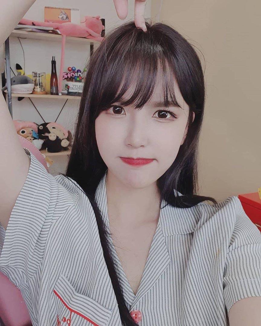 이아린 Ahrin 甜美韓國視訊正妹 表情超萌滴 - 亞洲美女 -