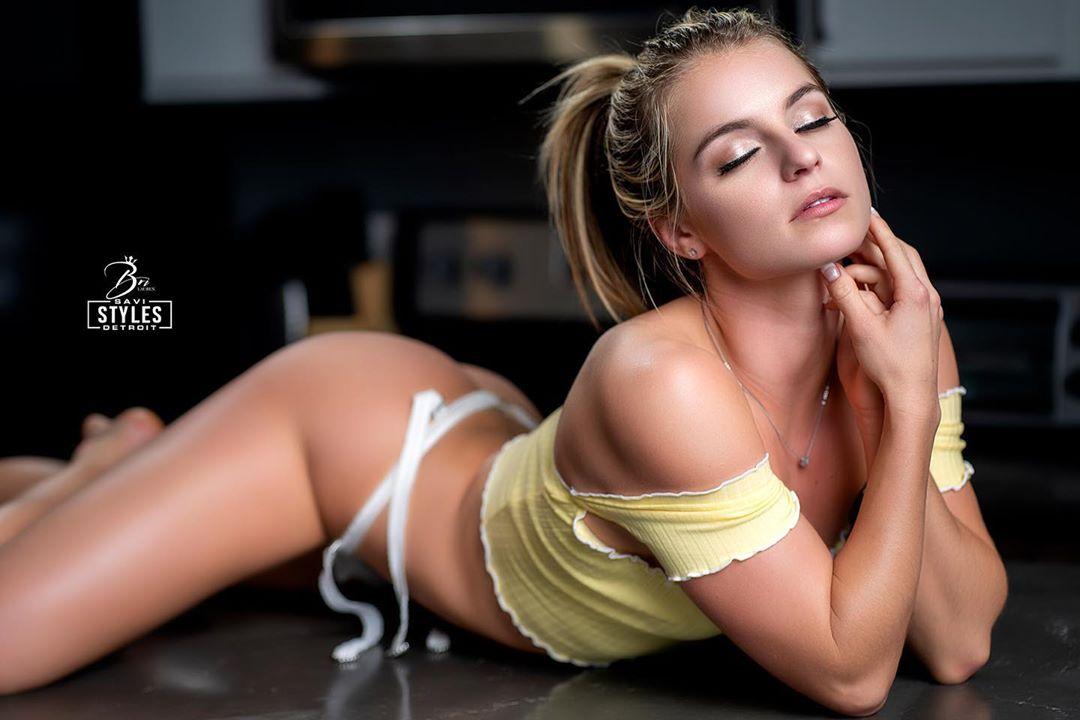 Bri Lauren義大利甜萌少女「性感反差」迷人眼 歐美美女