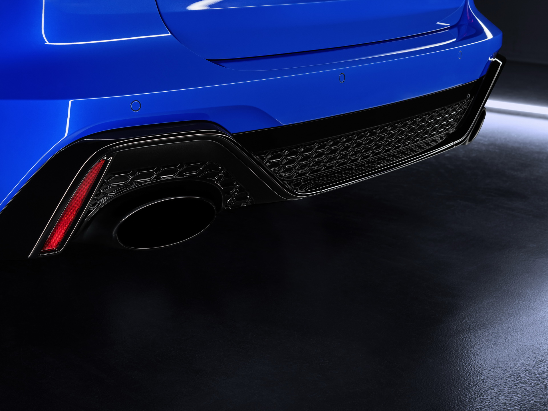2021-Audi-RS6-Tribute-Edition-09.jpg