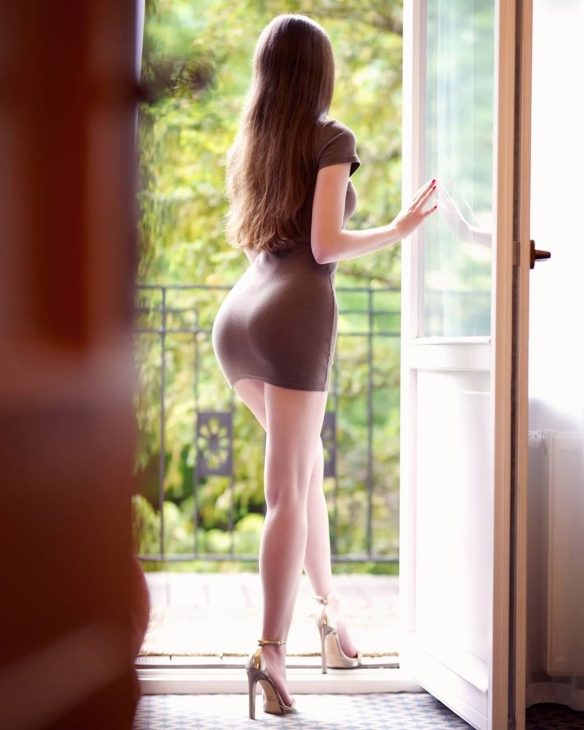 腿控必備!波蘭模特Ariadna極品黑絲美腿性感美照 歐美美女