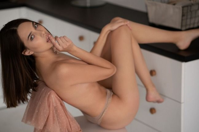 Playboy - Katrine Pirs in Essence of Life - 貼圖 - 歐美寫真 -