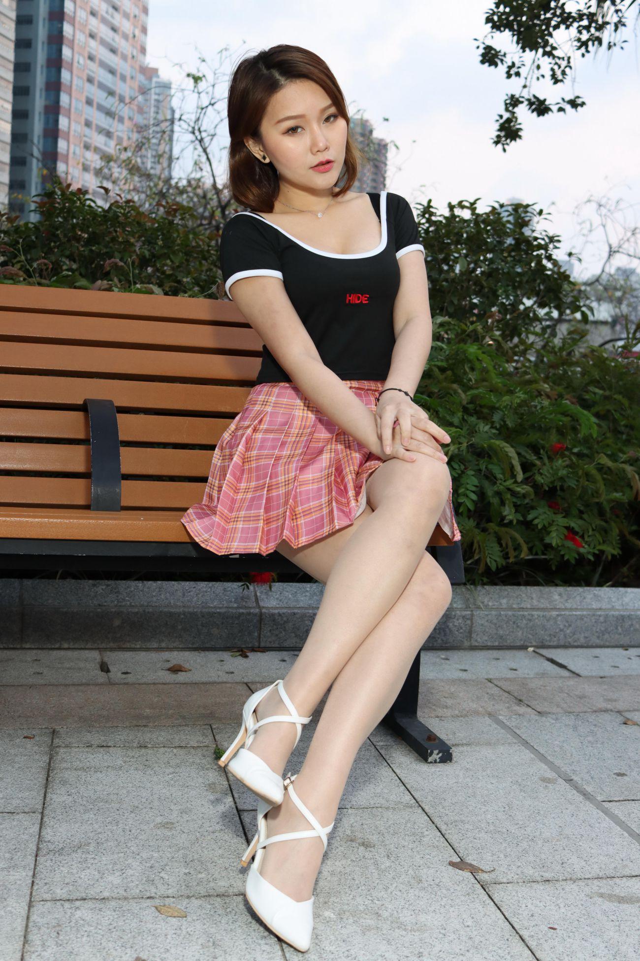 台灣腿模絲襪高跟鞋美腿外拍 Erika 短裙絲襪高跟美腿外拍 [49P] - 貼圖 - 絲襪美腿 -