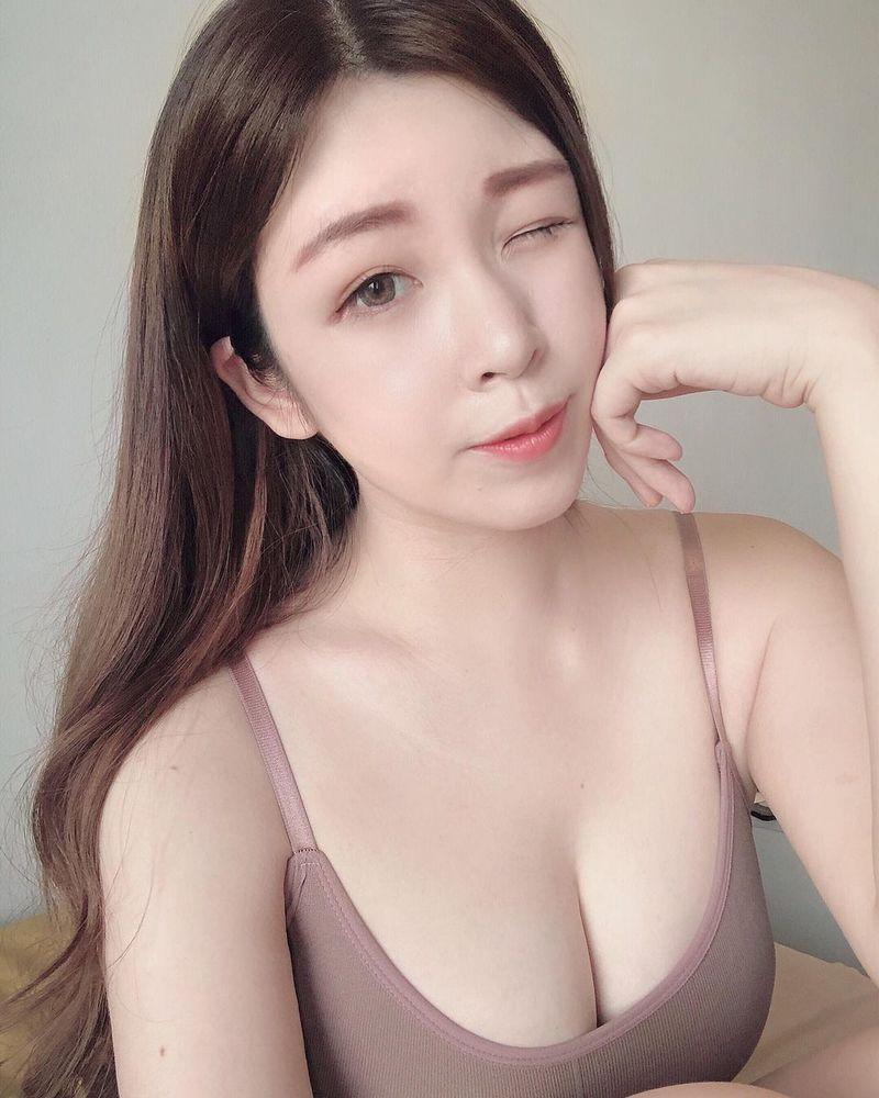 正妹甜心「蔡宥宥」F級美乳足球主播 低胸穿搭好誘人 優質臉蛋好喜歡
