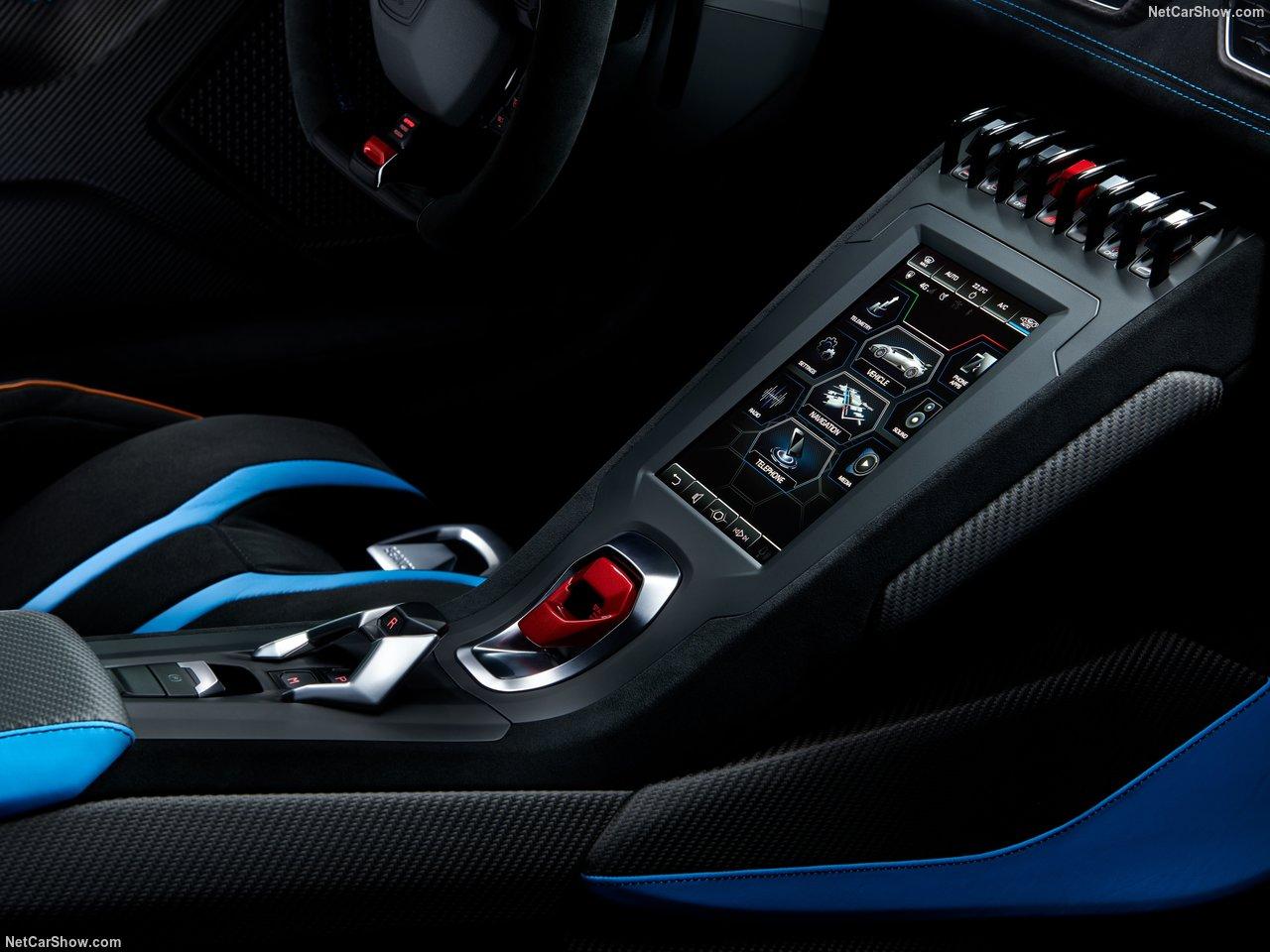 Lamborghini-Huracan_STO-2021-1280-18.jpg