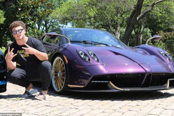 moment-spoilt-17-year-old-youtuber-crashes-3-4m-purple-pagani-huayra-roadster.jpg