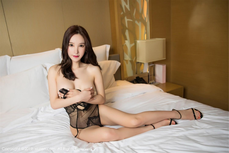 超長腿美尻黑色簍空內衣美媛床上私拍 周於希Sandy - 貼圖 - 清涼寫真 -