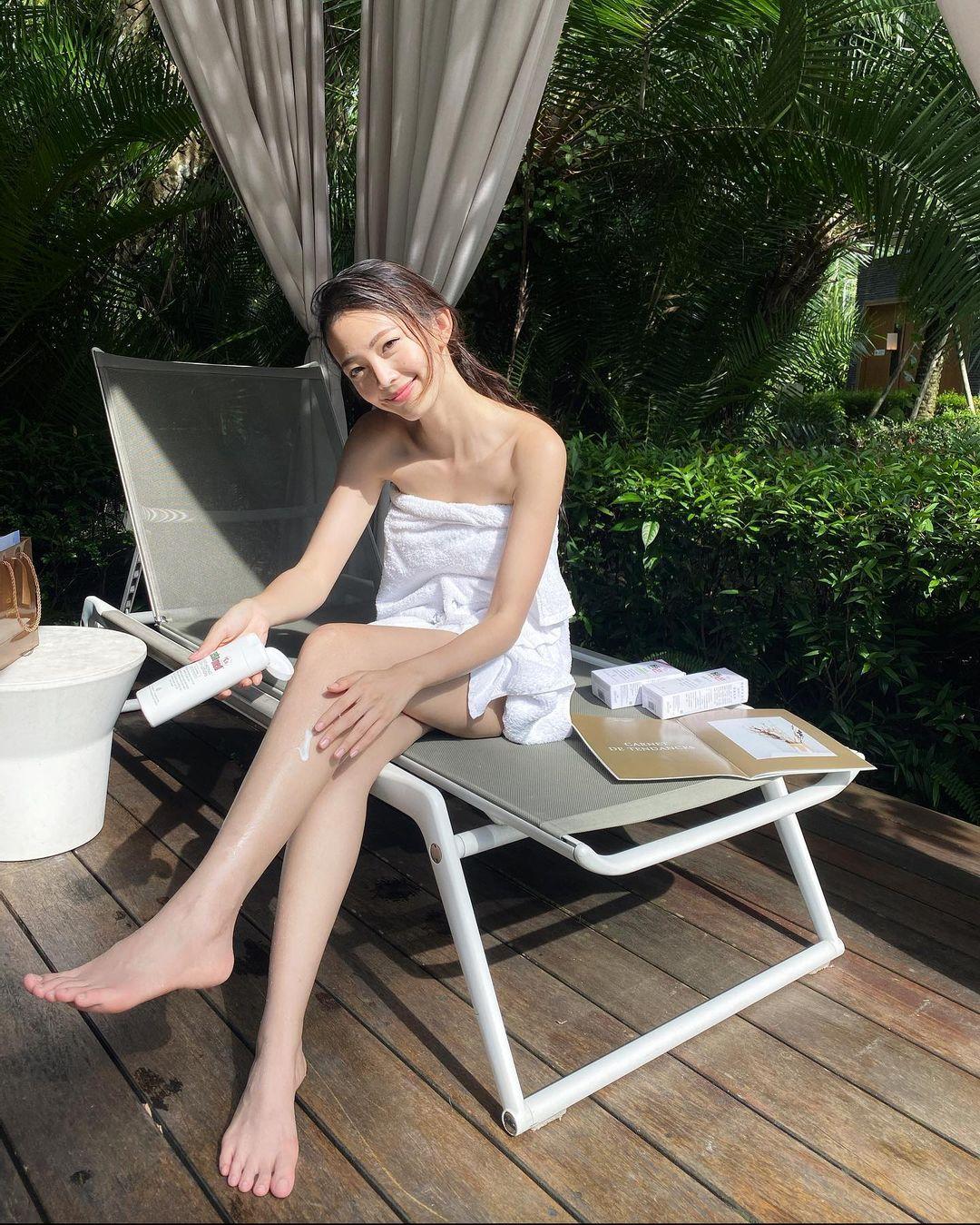 Vava  氣質神顏搭載「白嫩美腿」女神無誤 - 美女圖 -