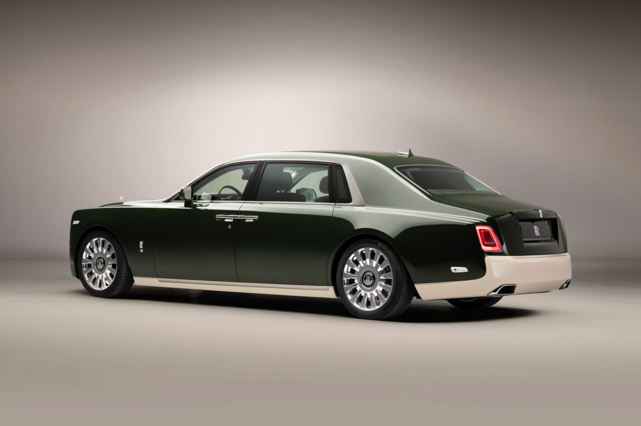 Rolls-RoycePhantomOribeincollaborationwithHerm_srear3-4-1280x852.jpeg