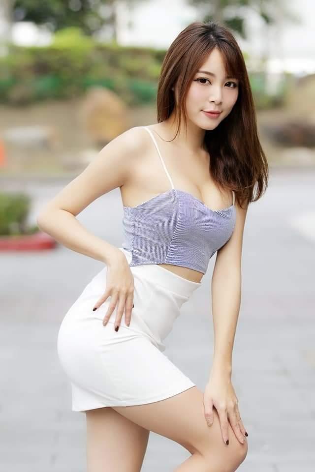 【網路收集】台灣美腿女郎-Ash Ley 04 - 貼圖 - 絲襪美腿 -