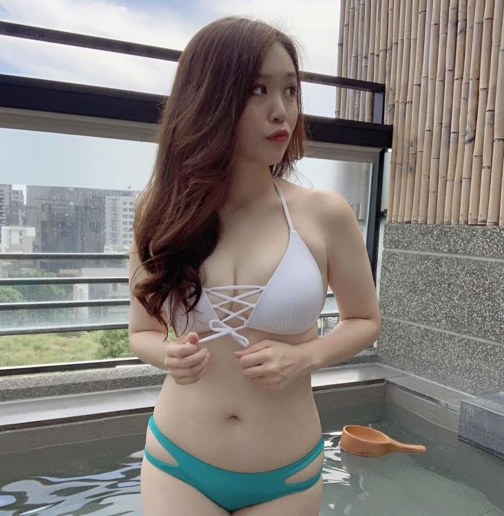 新光銀行火辣美女銀行員:蘋蘋(Ping Ping) - 美女圖 -