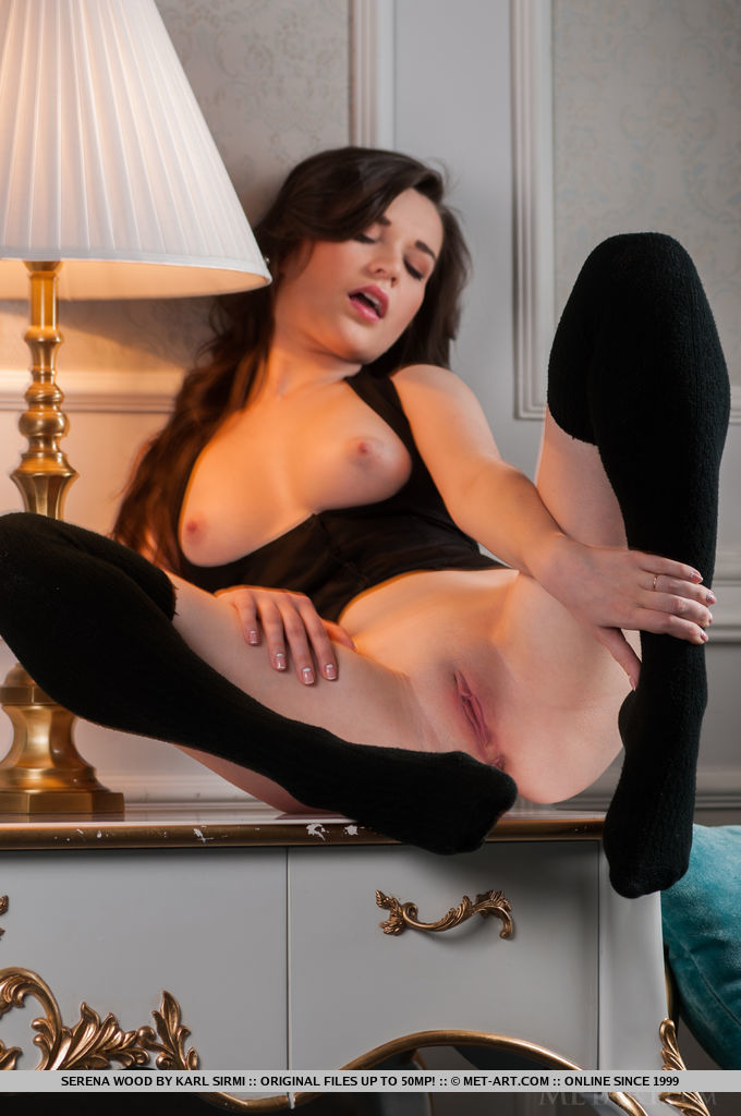 Euro babe Serena Wood modeling in long socks during glamour photo spread - 貼圖 - 歐美寫真 -