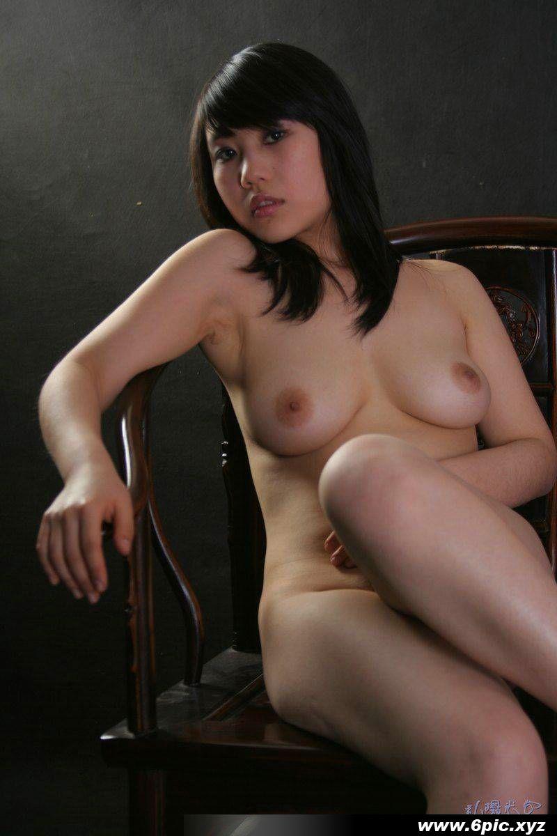 嫩模小楠豐滿美乳大膽全裸人體私拍攝影 - 貼圖 - 清涼寫真 -